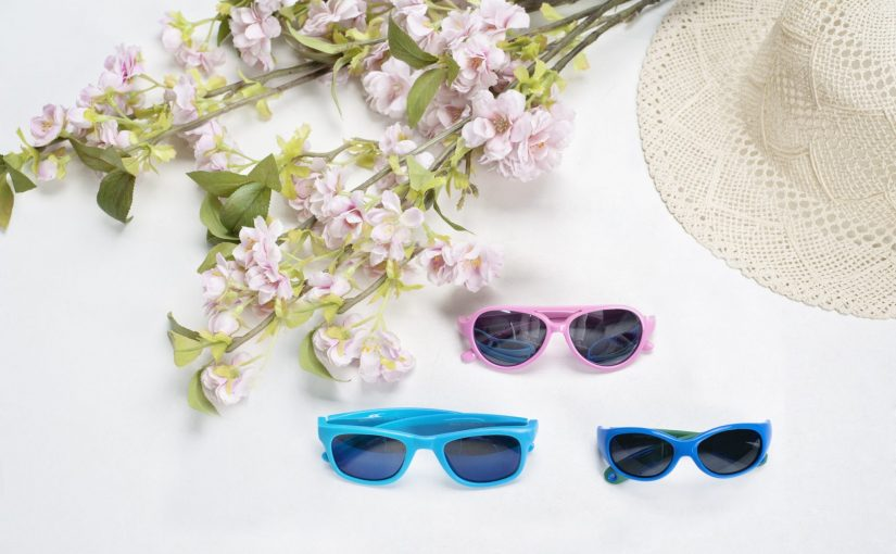 Na co zwracać uwagę kupując okulary przeciwsłoneczne dla dzieci.  Trzy najważniejsze zasady!