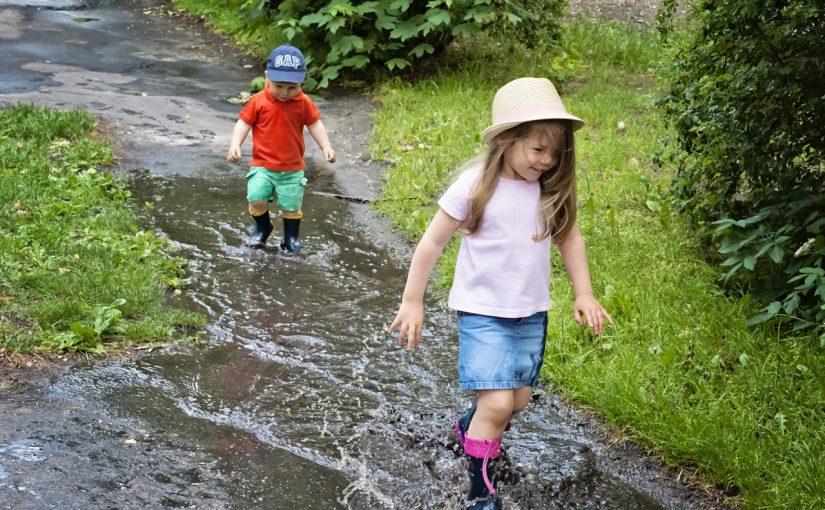 Dzieciństwo na maksa czyli szaleństwo, uśmiechy i brudne ubrania :)