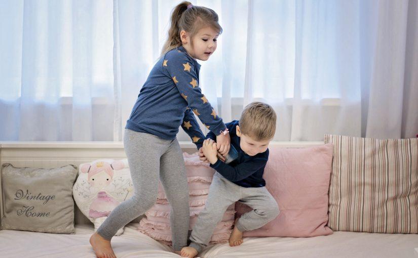 Kłótnie rodzeństwa – jak im zaradzić
